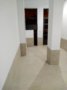 Instalación de ascensor y reparación de zaguán en Denia