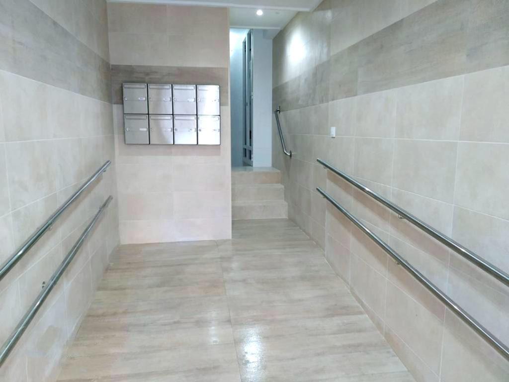 Ascensor y rampa en edificio de Albacete