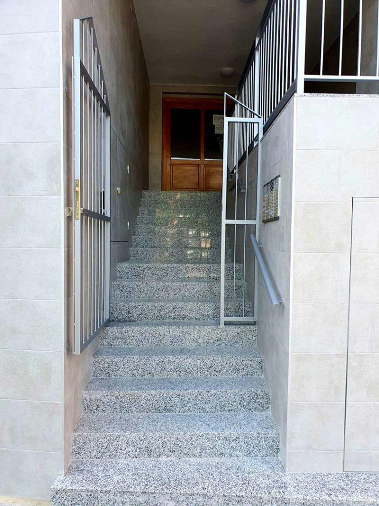 Instalación de plataforma elevadora