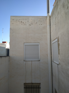 Ascensor y rehabilitación de patios en edificio de Elche