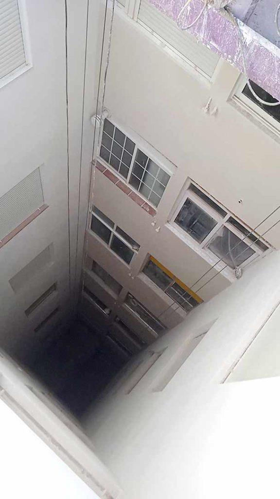 Rehabilitación patio de luces y terraza en Guardamar