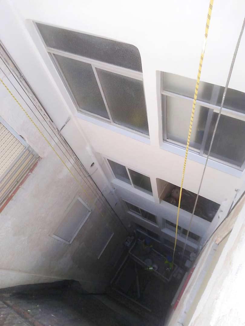 Reparación patio de luces en Elche