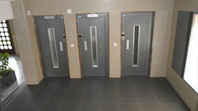 Sustitución de ascensores en Arenales del Sol